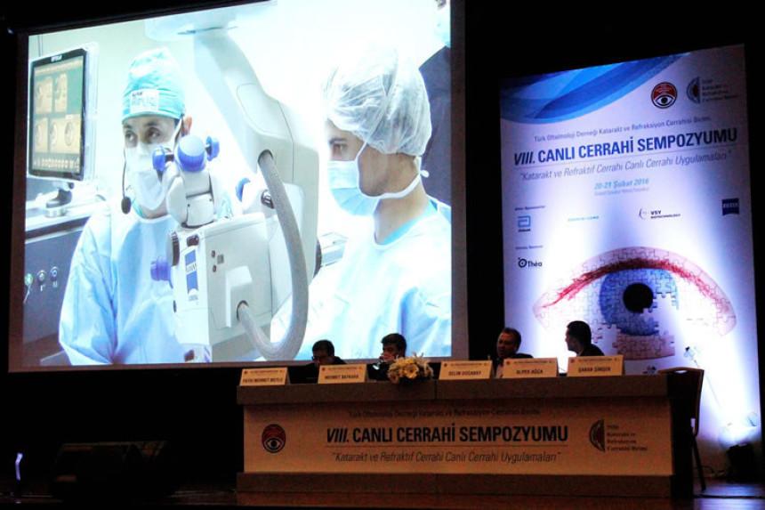 KRC Canlı Cerrahi Sempozyumu'nda Katarakt ve Görme Bozukluğu Düzeltildi