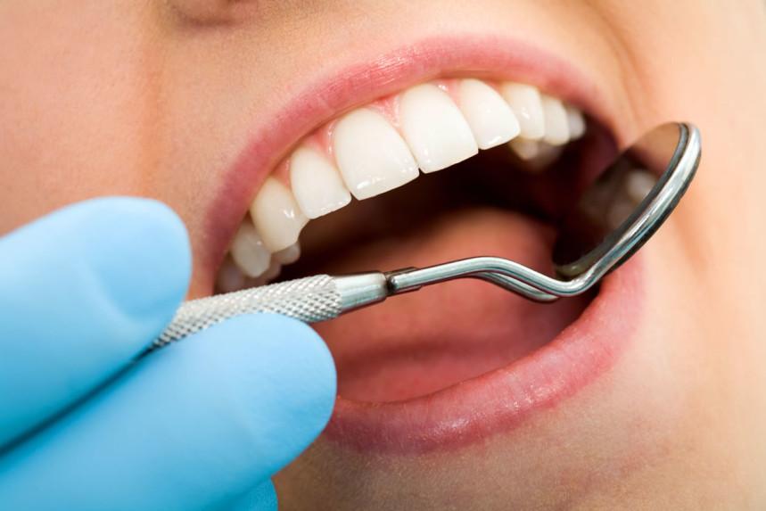 Diş çürüklerini önlemek için nasıl beslenmeli?