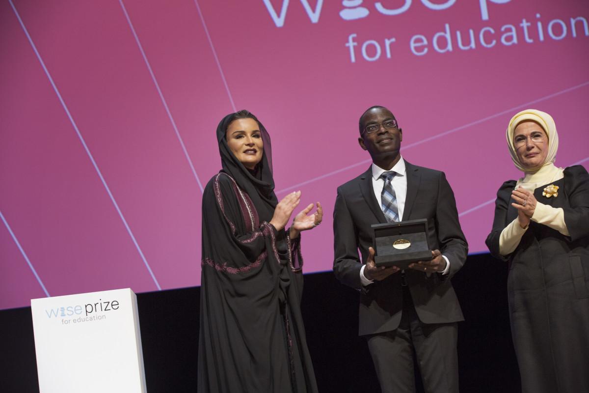 Eğitimin Nobel ödülü Emine Erdoğan'ın Doha'da açıl...