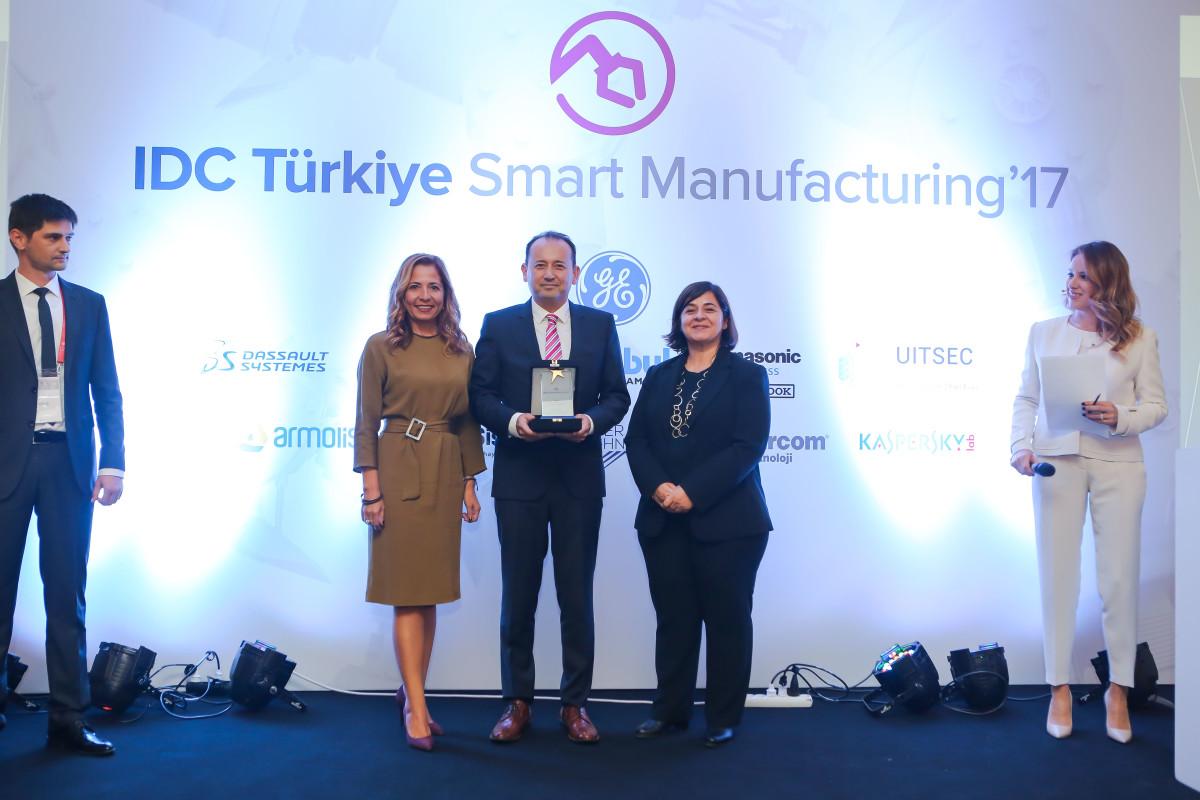 HUGO BOSS İzmir'e IDC'den İki Ödül