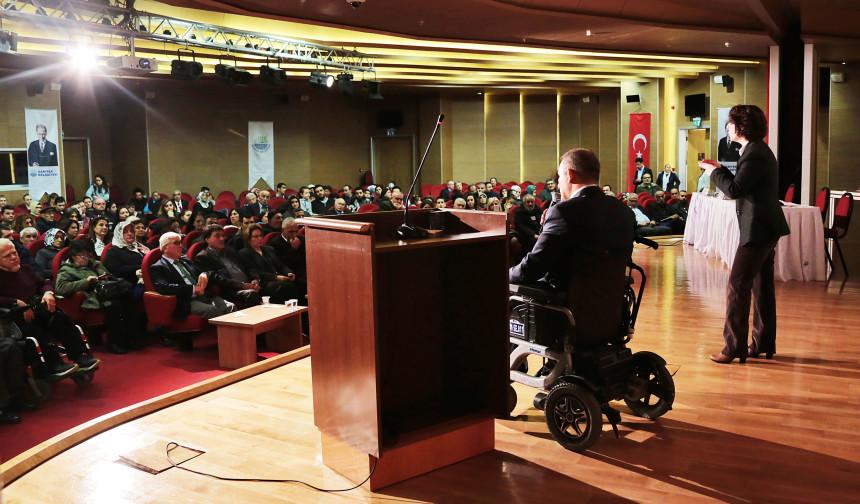 """Engellilere """"Hak"""" Forumu:  Bize Özel Davranmayın!"""