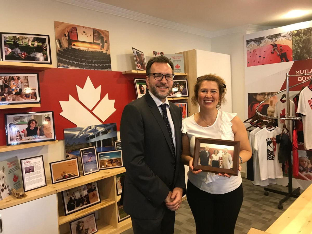 Kanada İstanbul Başkonsolosu'ndan Kanada Okulları'...