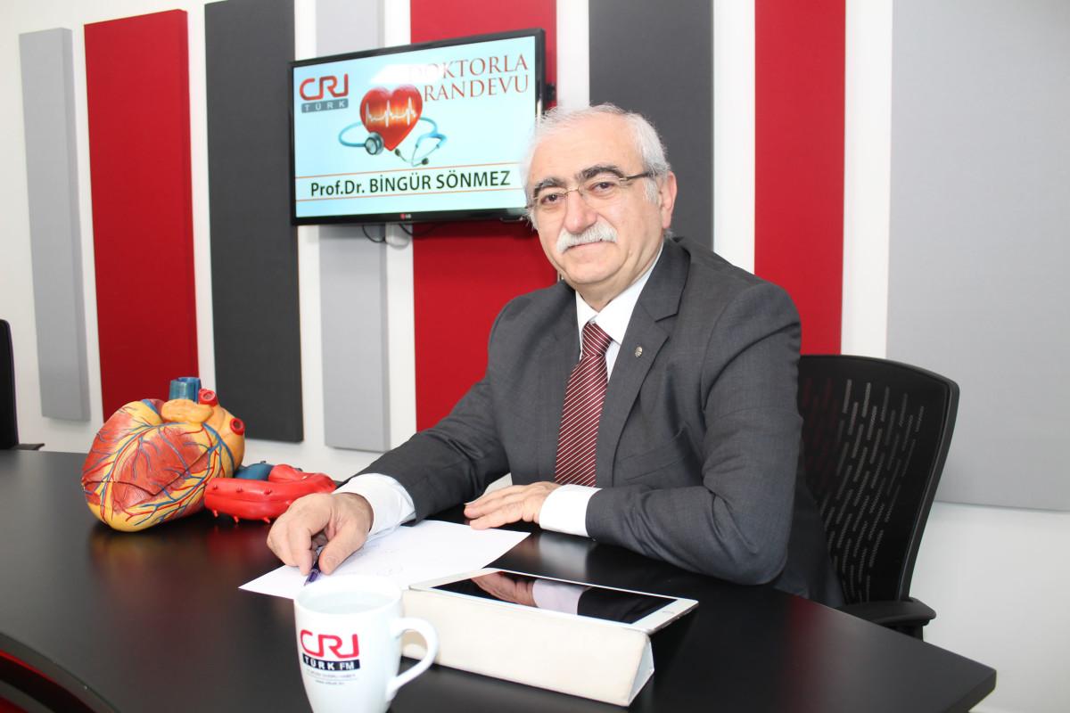 """Prof. Dr. Bingür Sönmez uyardı: """"İftarda arka arka..."""